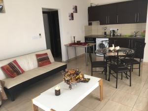 Apartment Ag. Spiridonos 5, Апартаменты  Episkopi Lemesou - big - 1