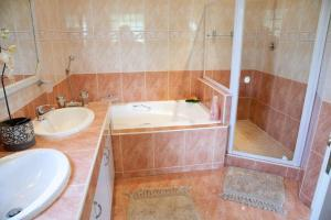 La Loggia Bed and Breakfast, Bed and Breakfasts  Durban - big - 15