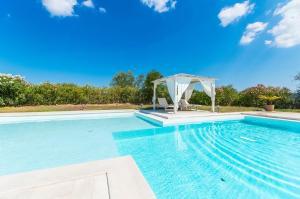 Villa bianca, Vily  Arzachena - big - 8