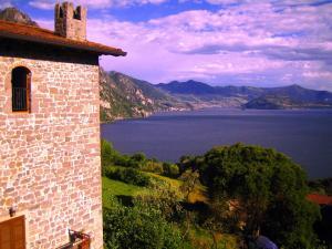 Castello di Zorzino Iseo lake - AbcAlberghi.com