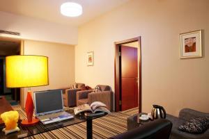 Dalian Tian Tong Hotel, Отели  Далянь - big - 2