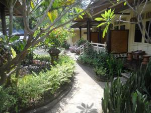 Bali Lovina Beach Cottages, Hotel  Lovina - big - 9