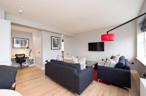 Rutland Square Residence (1 of 32)