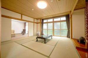 Condominium Panoramique Motomachi, Apartments  Hakodate - big - 11