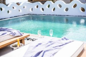 Portes Suites & Villas Mykonos, Aparthotels  Glastros - big - 9