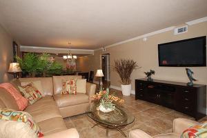 Shoreline 1104 Condo Condo, Apartments  Destin - big - 30