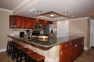 Shoreline 1104 Condo Condo, Apartments  Destin - big - 27