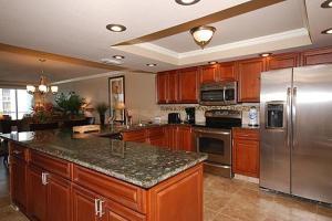 Shoreline 1104 Condo Condo, Apartments  Destin - big - 26