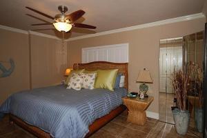 Shoreline 1104 Condo Condo, Apartments  Destin - big - 19