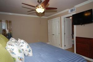 Shoreline 1104 Condo Condo, Apartments  Destin - big - 13
