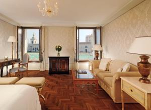Grand Canal Room