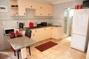 La Loggia Bed and Breakfast, Bed and Breakfasts  Durban - big - 40