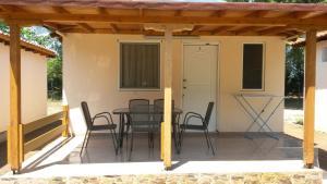 Camping Linaraki Apartments & Bungalows