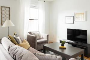 One-Bedroom on Warrenton Street Apt 16, Apartments  Boston - big - 1