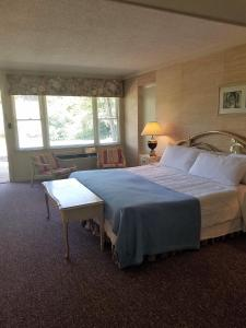 High Meadows Inn, Inns  Roaring Gap - big - 24