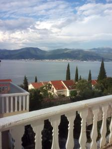 Holiday Home by the Sea, Prázdninové domy  Tivat - big - 12