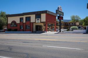 Cedar Rest Motel