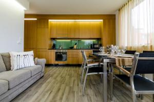 BalatonBee Apartman, Appartamenti  Balatonlelle - big - 14