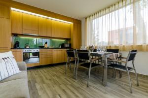 BalatonBee Apartman, Appartamenti  Balatonlelle - big - 19