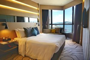 The Optimum Floor - Queen or Twin Room with Harbour View