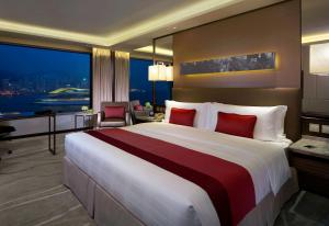 Premier King Room with Full Harbour View