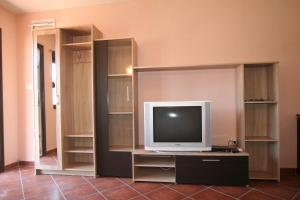 Holiday Home Ametist 3, Nyaralók  Tivat - big - 8