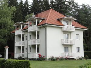 Ferienwohnung Rogatsch, Apartments  Sankt Kanzian - big - 1