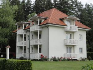 Ferienwohnung Rogatsch, Apartments  Sankt Kanzian - big - 12