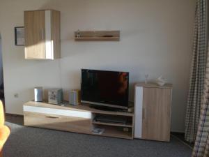 Ferienwohnung-4, Apartmanok  Waabs - big - 19