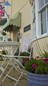 Seasons Guest House