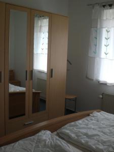 Ferienwohnung-5, Apartmány  Waabs - big - 15