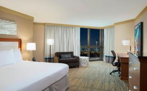 DoubleTree by Hilton Hotel Miami Airport & Convention Center, Отели  Майами - big - 4