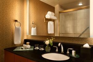 Executive One-Bedroom Queen Suite