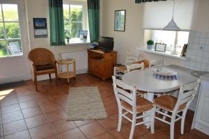 Landhaus-am-Deich-Wohnung-Moewe, Appartamenti  Tönning - big - 8