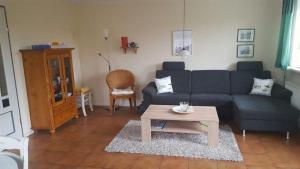 Landhaus-am-Deich-Wohnung-Moewe, Apartmány  Tönning - big - 11