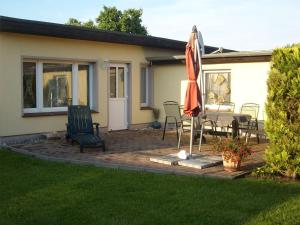 Haus-J-Bull-das-Sonneneck-Ferienwohnung-an-der-schoenen-Ostsee-in-Boergerende-Rethwisch, Apartmány  Börgerende-Rethwisch - big - 1