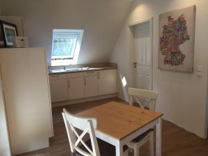 Huus-Windroos-Wohnung-2, Apartmány  Ditzum - big - 2