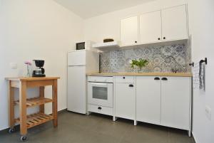 Apartment Sofia, Apartments  Banjole - big - 52