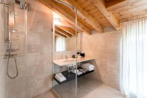 Villa Mughetto, Apartmanhotelek  Gardone Riviera - big - 5