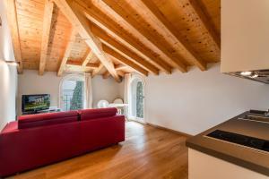 Villa Mughetto, Apartmanhotelek  Gardone Riviera - big - 3