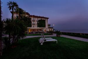 Villa Mughetto, Apartmanhotelek  Gardone Riviera - big - 10