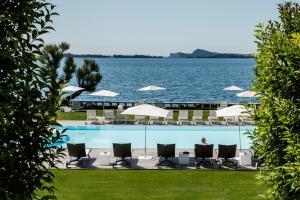 Villa Mughetto, Apartmanhotelek  Gardone Riviera - big - 11