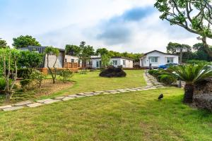 Goseong 2119, Holiday homes  Seogwipo - big - 44