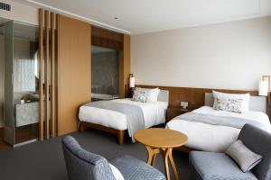 "New Club Floor ""Premier Grand"" Deluxe Twin Room with free access to the Club Lounge"