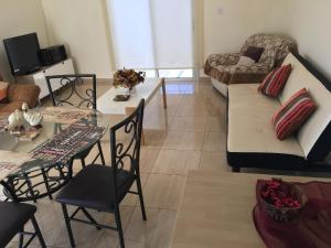 Apartment Ag. Spiridonos 5, Апартаменты  Episkopi Lemesou - big - 54
