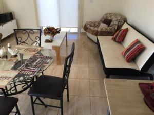 Apartment Ag. Spiridonos 5, Апартаменты  Episkopi Lemesou - big - 56