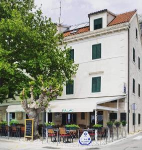 3 stern appartement Pension Palac Baška Voda Kroatien