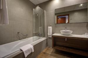Golden Tulip Vivaldi Hotel, Hotely  St Julian's - big - 12