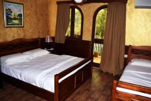 Hotel Castle Park, Отели  Берат - big - 56