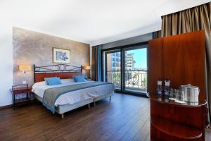 Golden Tulip Vivaldi Hotel, Hotely  St Julian's - big - 24